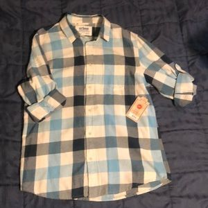 Young men's button down shirt, sz med
